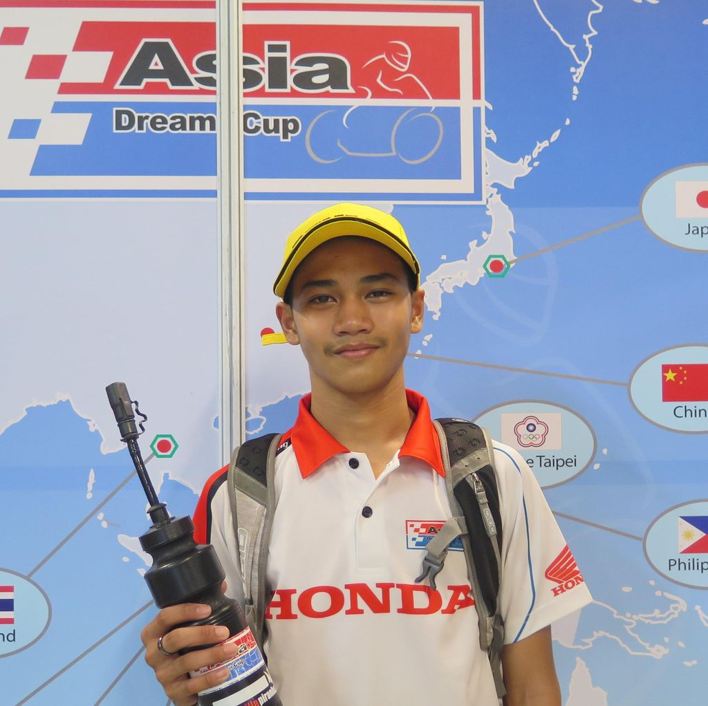 Naik Podium di Race 1, Ferry Incar Juara di Race 2