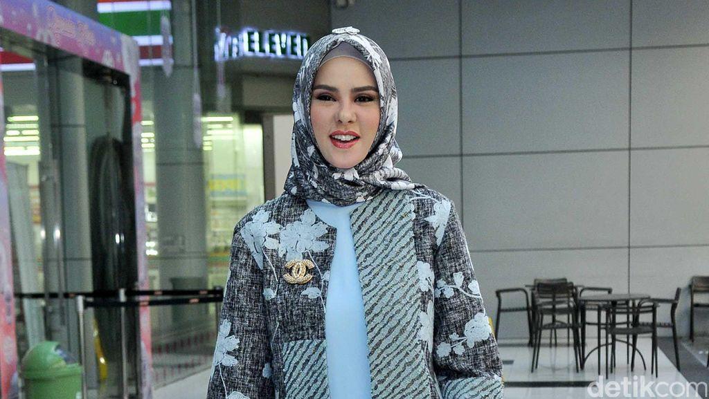 Angel Lelga Dikabarkan Sudah Menikah, Amy Qanita Jadi Laporkan Haters?