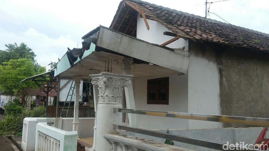 Pasuruan Diterjang Angin Kencang, Rumah Warga Rusak