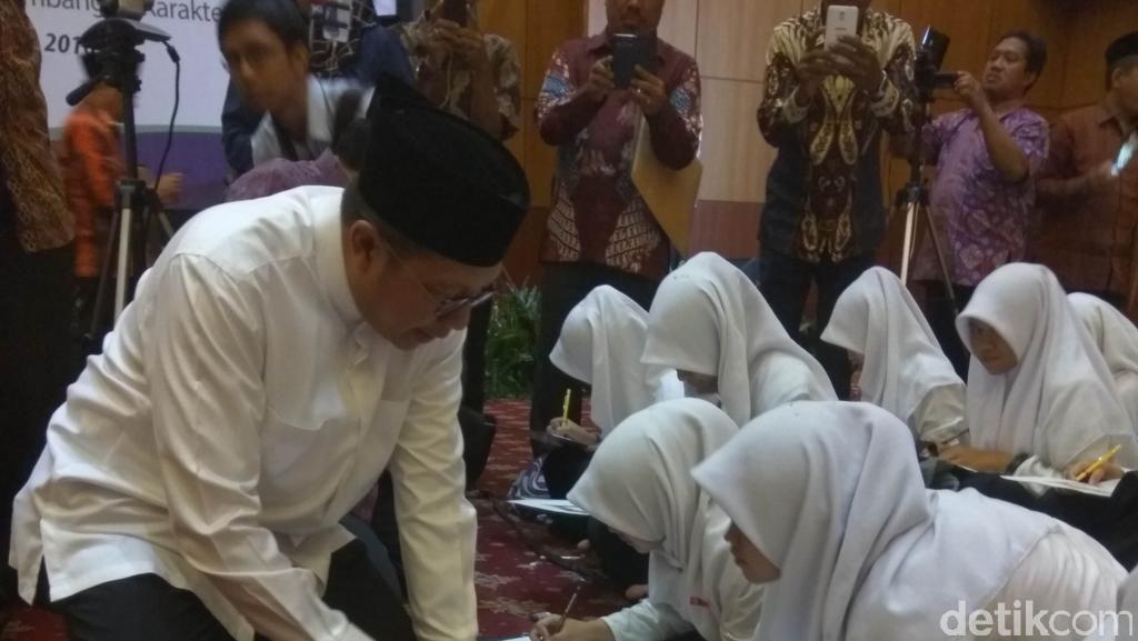 Menag Soal Travel Umrah-Haji Nakal: Beri Sanksi Seberatnya!