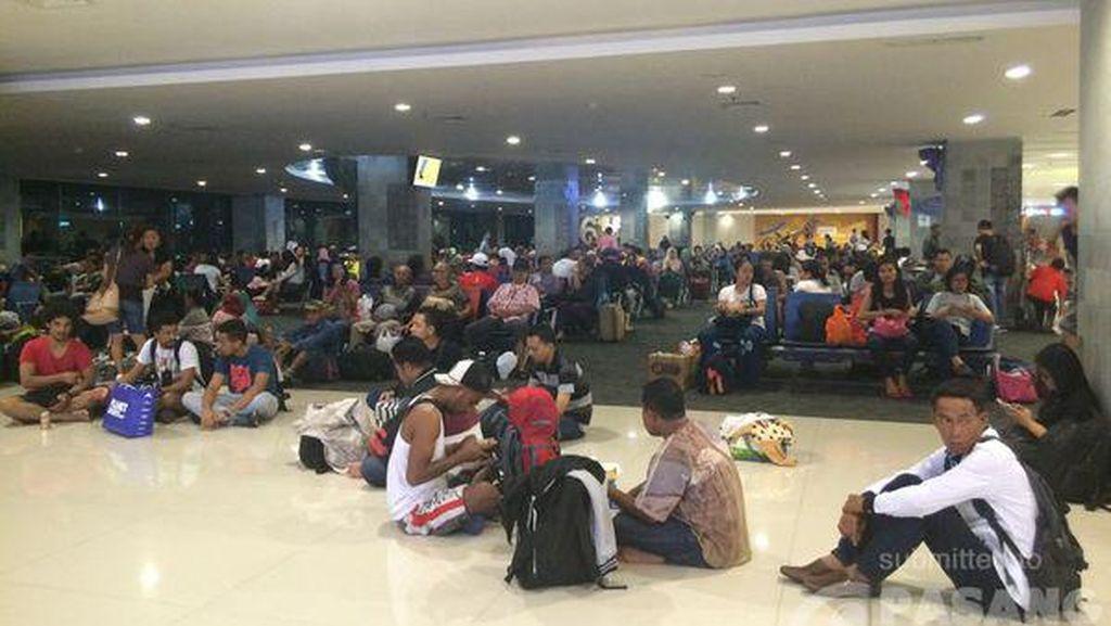 Ini Penjelasan Lion Air Penyebab Delay 5 Jam di Bandara Ngurah Rai