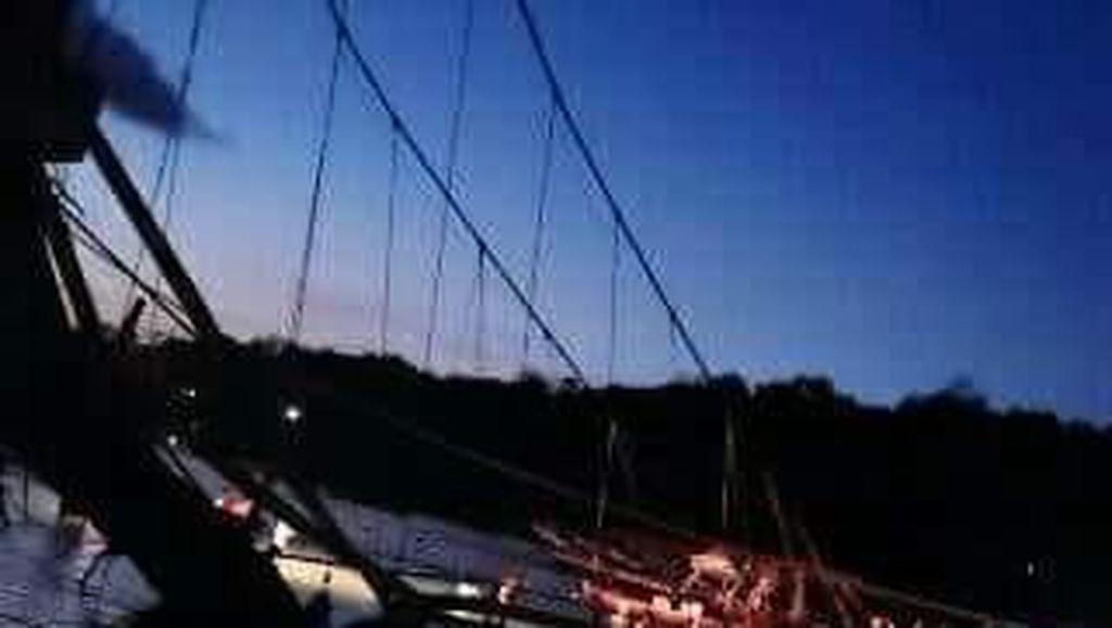 8 Korban Meninggal Ambruknya Jembatan Kuning Diserahkan ke Keluarga