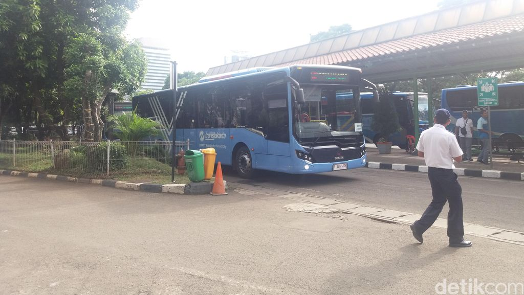Bus TransJakarta Direncanakan Masuk Dalam Stasiun Gambir