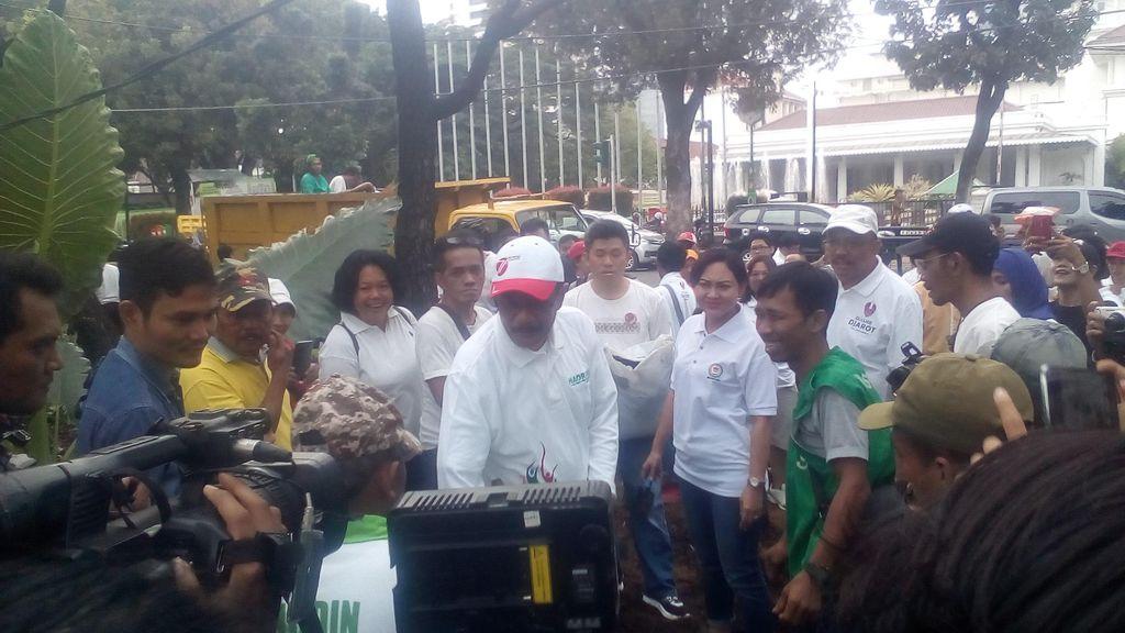 Relawan Djarot: Pendemo yang Rusak Taman Itu Tamu Kita