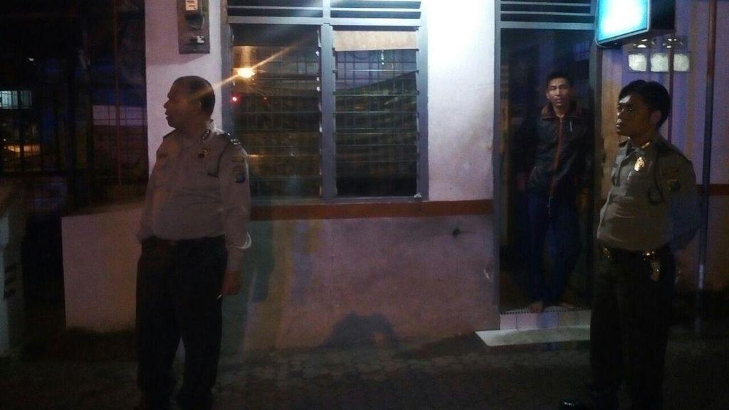Penjaga Perlintasan KA Tertidur, Polisi di Medan Ini Tahan Laju Kendaraan