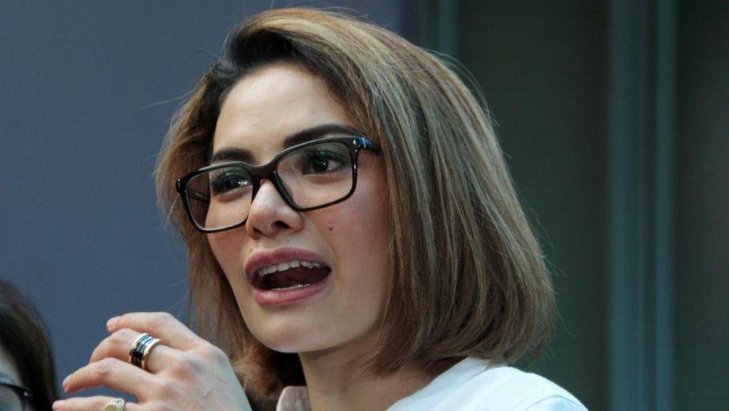 Kata Nikita Mirzani Soal Video Mandi Kucing