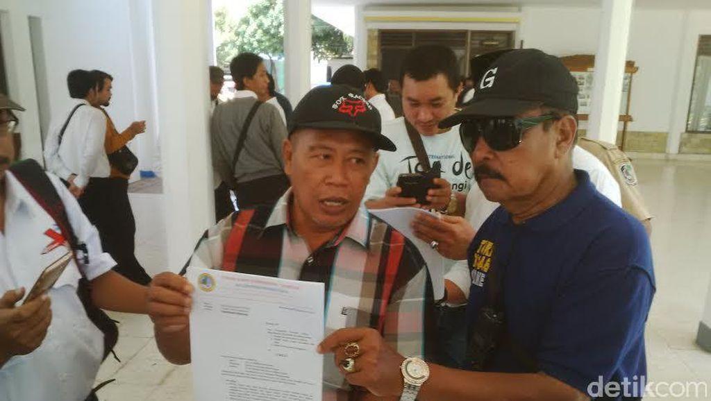 Warga Banyuwangi Curhat ke DPRD Soal Tanah yang Dikuasai TNI AD