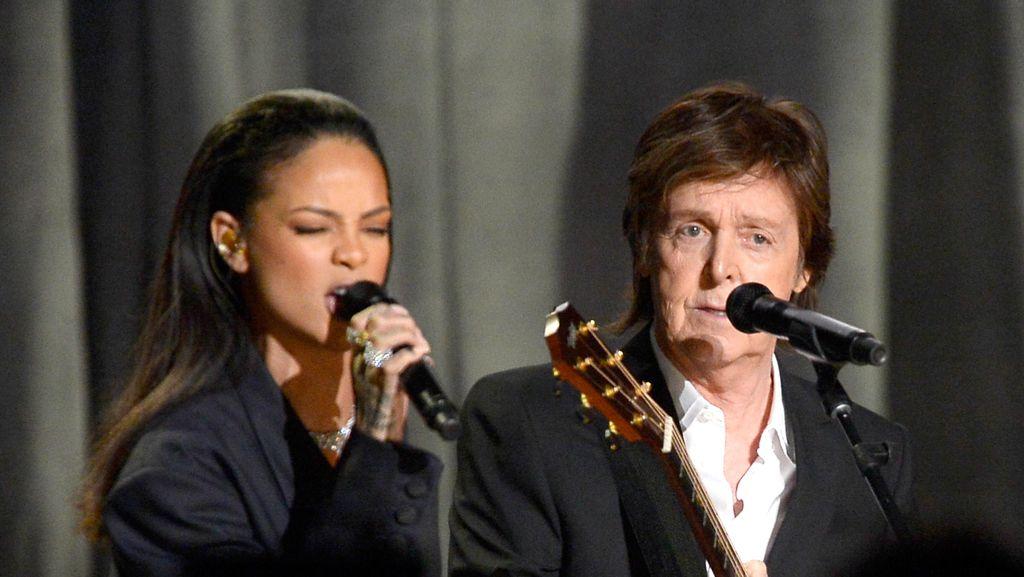 Paul McCartney Sebut Rihanna The Queen of Barbados