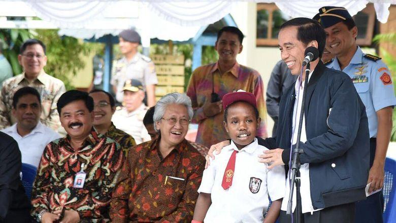 Jokowi Minta Harga BBM Di Papua Segera Disamakan Dengan Di Jawa