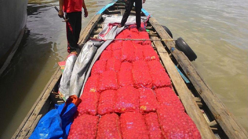 Polri Bekuk Penyelundup Bawang Merah dari Malaysia, Pelaku Terjun ke Laut