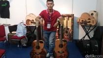 Berawal dari Hobi, Pria Ini Bisnis Gitar Motif Batik Hingga ke Mancanegara