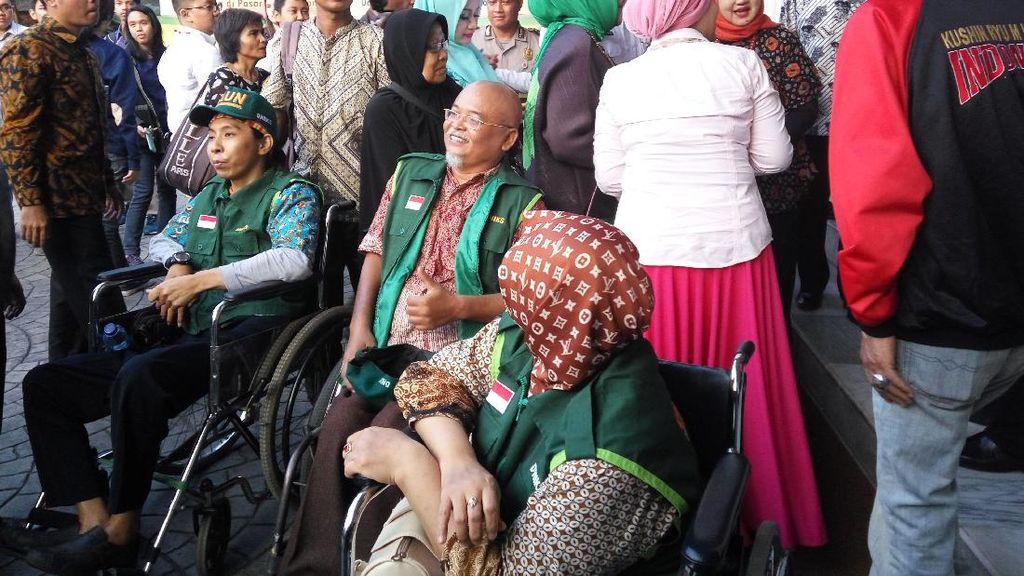 Warga Difabel Kini Bisa Pesan Jemputan Bus TransJakarta