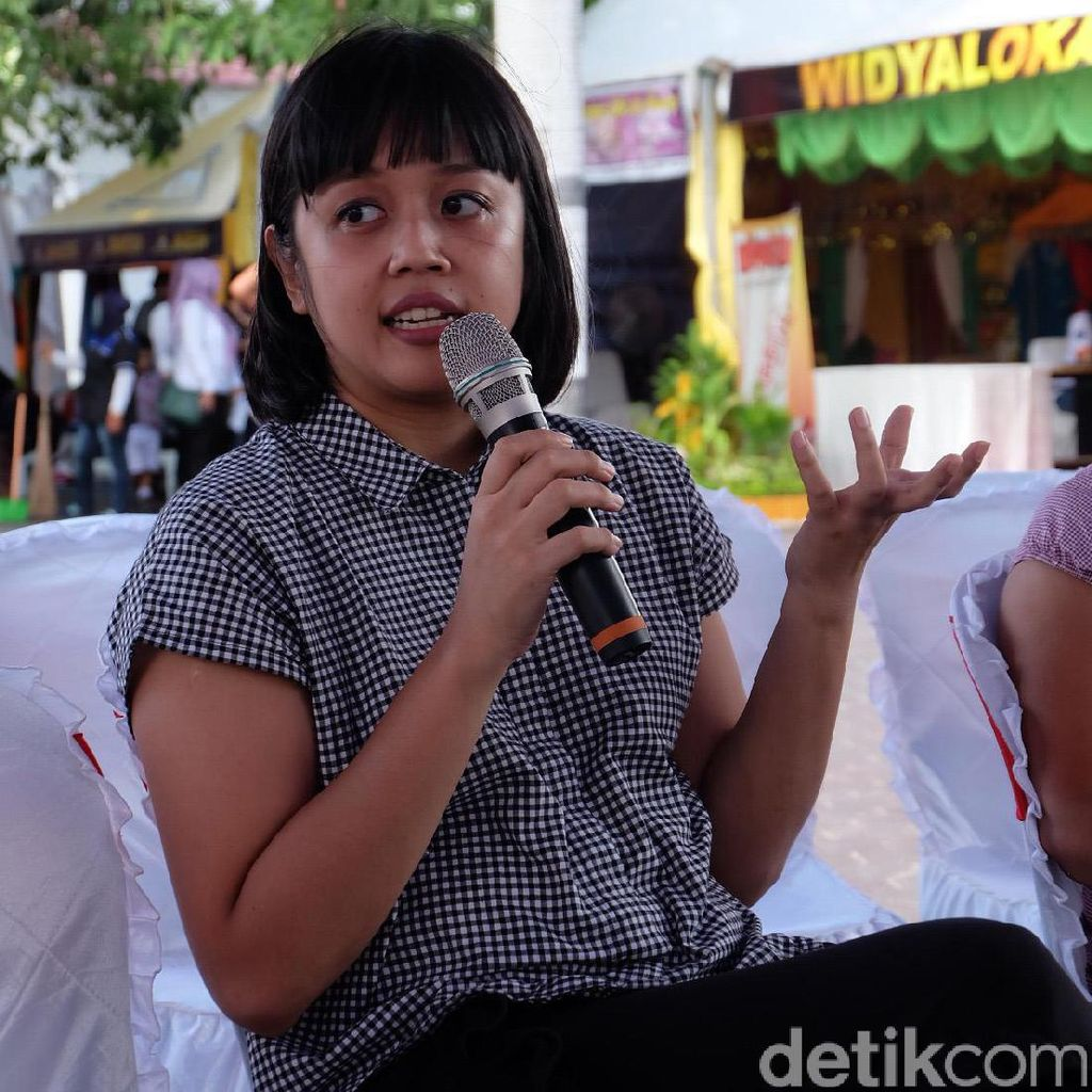 Lala Bohang Ngobrol Proses Kreatif The Forbidden Feelings di Festival Literasi