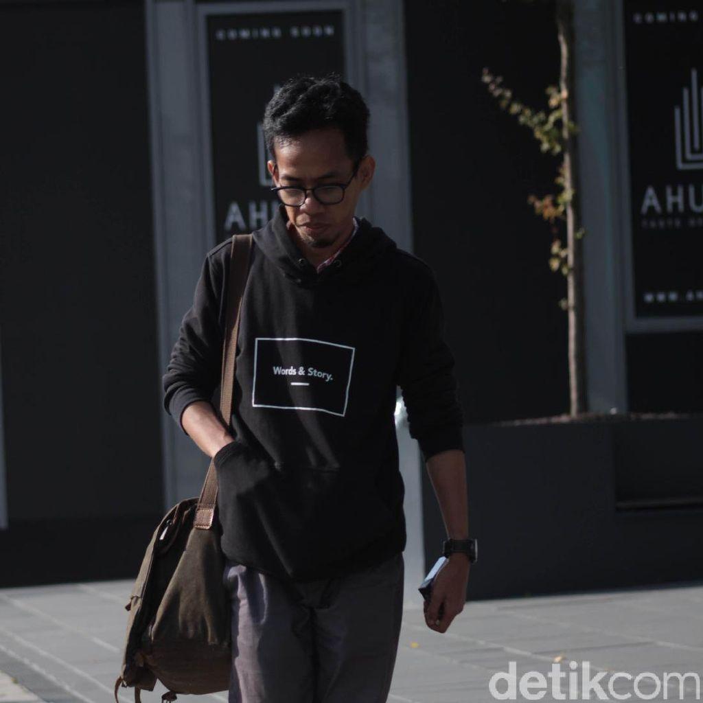 Aan Mansyur dan Penolakan Narasi Tunggal Indonesia