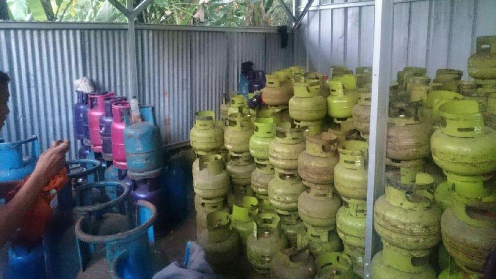 Polres Jaktim Bongkar Pabrik Gas Oplosan di Sebuah Bedeng di Cipayung