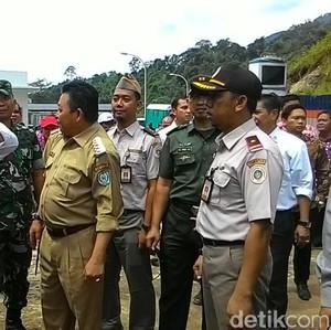 Cek Karantina Kementan di Pos Batas Entikong, Mentan: Jangan Ada Pungli!