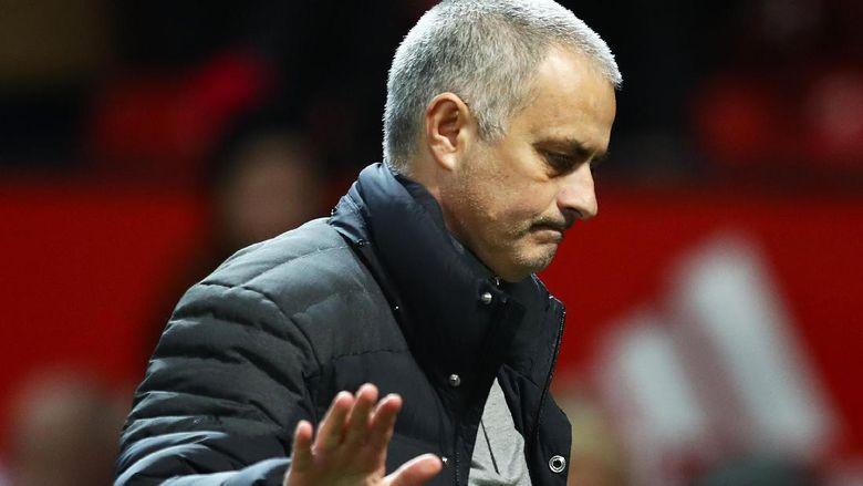 Mourinho Menyindir Perbuatan Klop Terhadap Wasit Ofisial