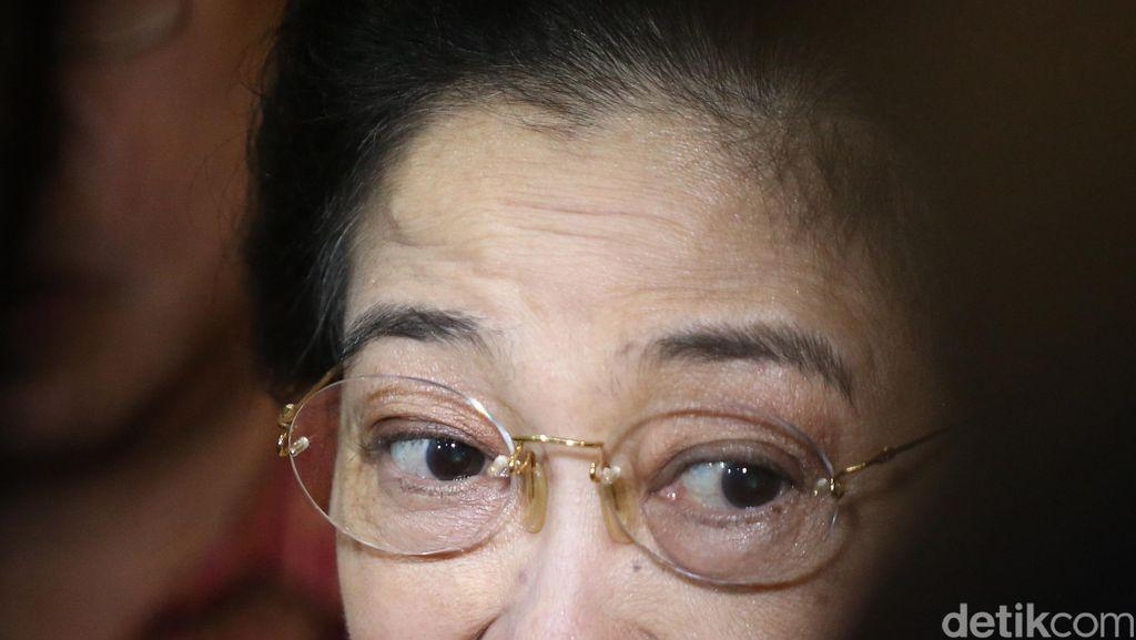 Disambut 'Spanduk Presiden', Sebenarnya Apa Tujuan Megawati ke Korsel?