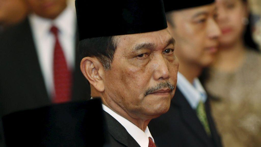 Pantaskah Posisi Kepala Staf Kepresidenan Dipertahankan?