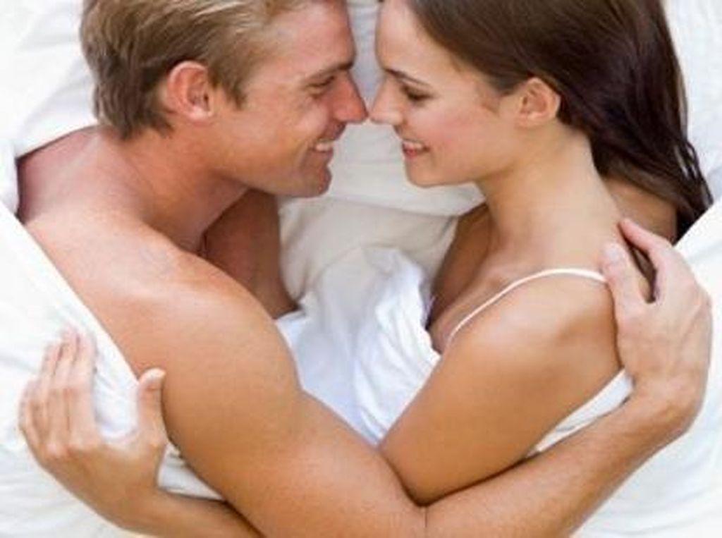 4 Hal Soal Seks yang Wanita Malu Ungkapkan Pada Pasangannya
