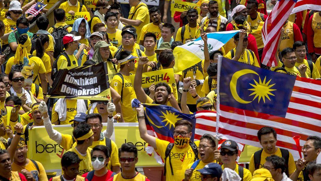 Demonstran Anti PM Najib Capai 50 Ribu, Kuala Lumpur Jadi Lautan Kuning