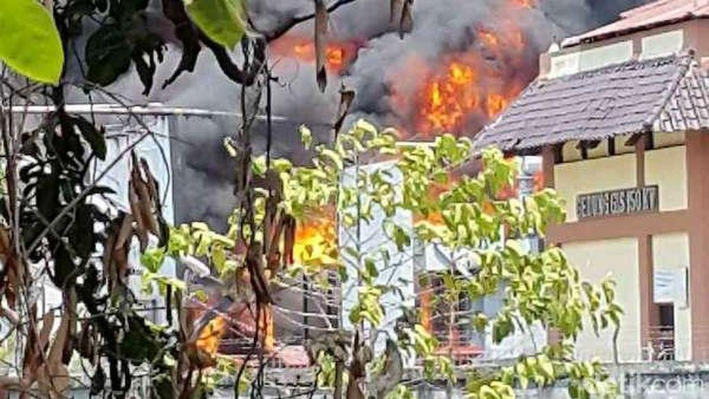 Api di Gardu Listrik Kembangan Padam, Listrik Kembali Menyala