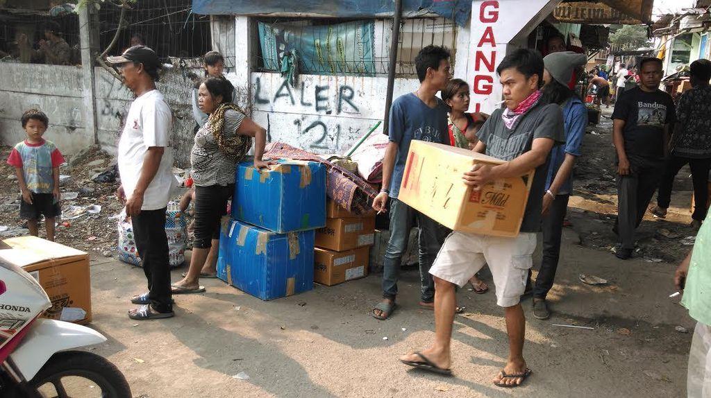 Gang Laler Kemayoran Digusur, Petugas Imbau Warga Tak Melawan