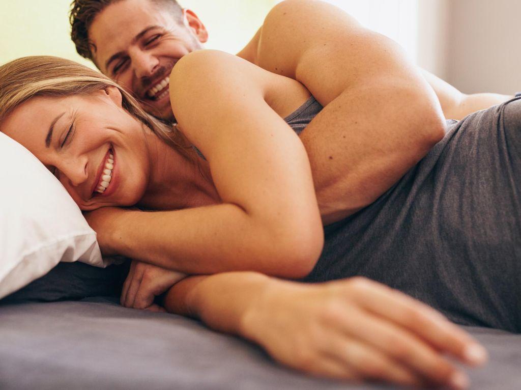 5 Hal yang Diam-diam Diidamkan Istri Saat Bercinta