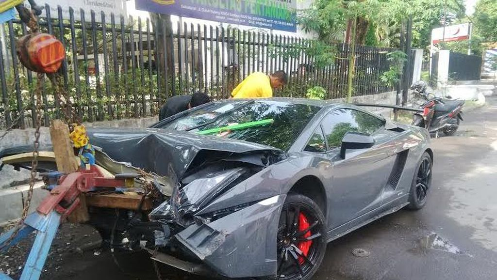 Kapolrestabes Surabaya: Tes Urine Sopir Lamborghini 2 Kali, Hasilnya Negatif