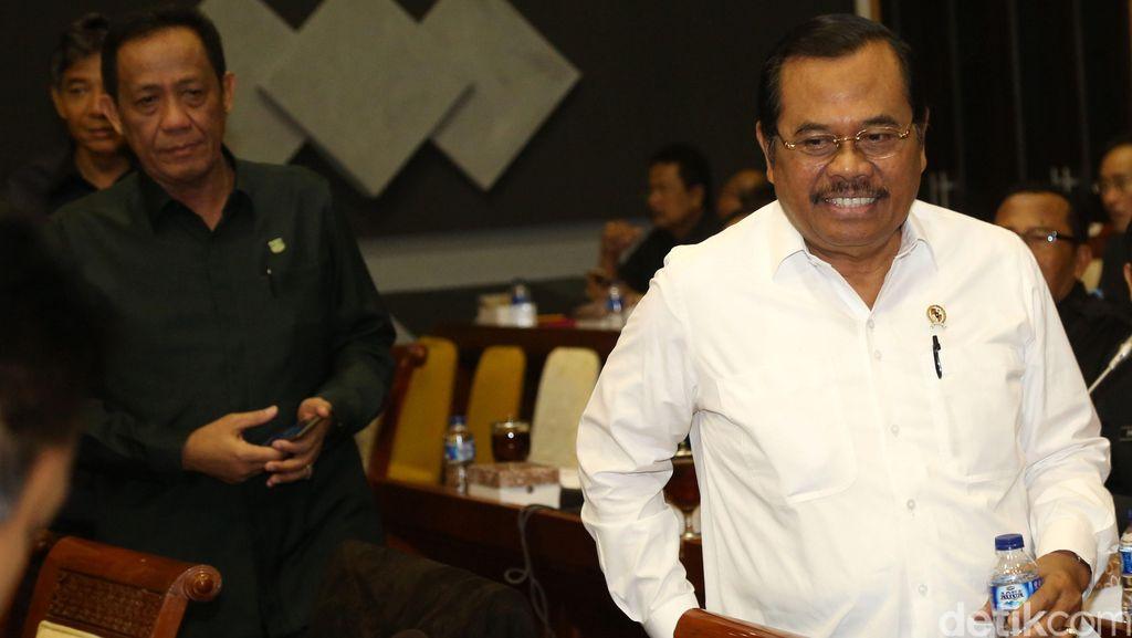 Jaksa Agung: Deponeering BW dan Samad Agar Semangat Pemberantasan Korupsi Tak Turun