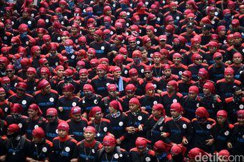Buruh Demo di Istana