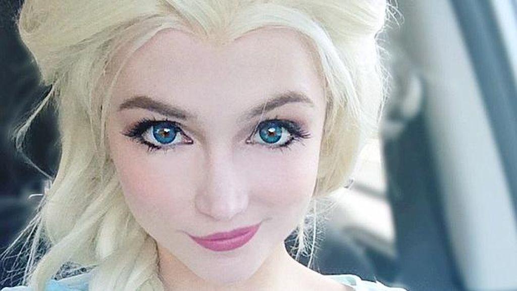 Tampil Bak Putri, Wanita Ini Habiskan Rp 191 Jutaan untuk Kostum Princess