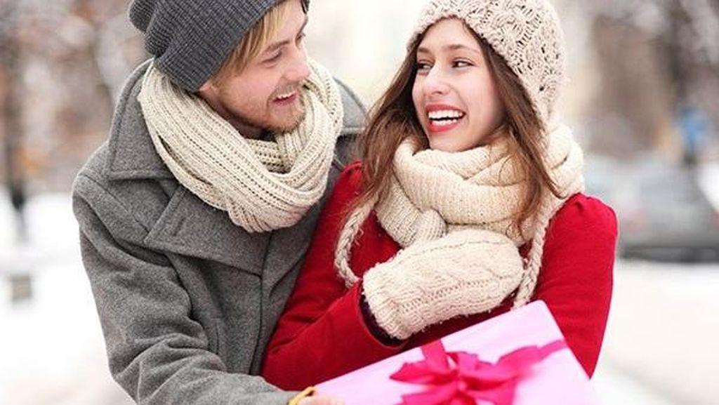6 Hal Menyebalkan yang Dilakukan Pasangan di Hari Velentine