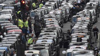Sopir Taksi Demo Uber di London