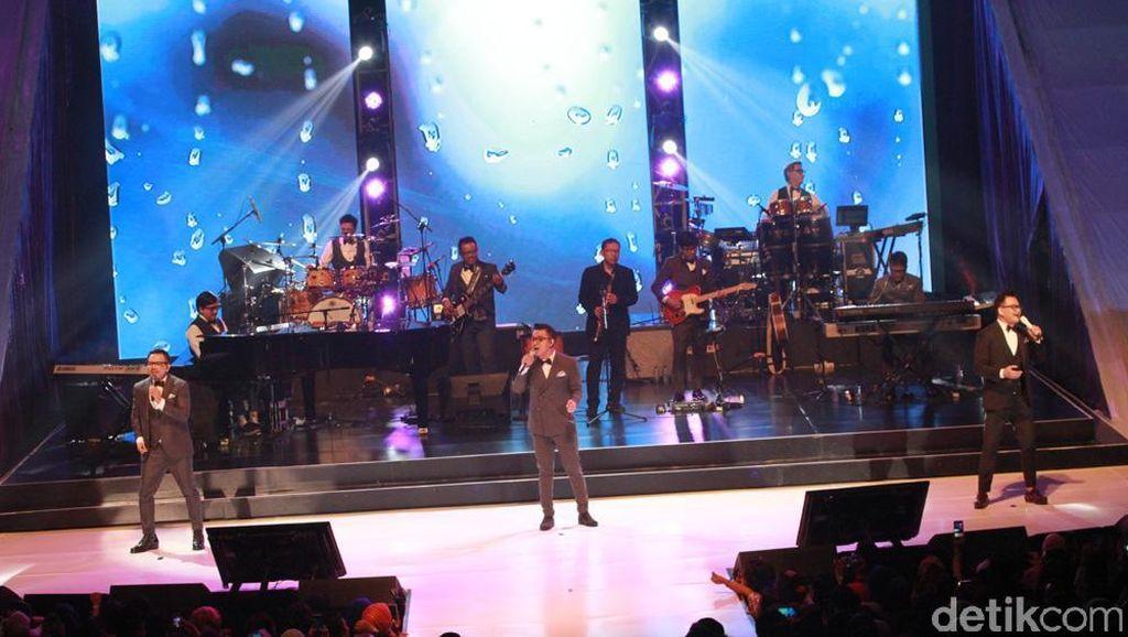 Konser 30 Tahun Kahitna, Cerita Cinta yang Tak Pernah Berakhir