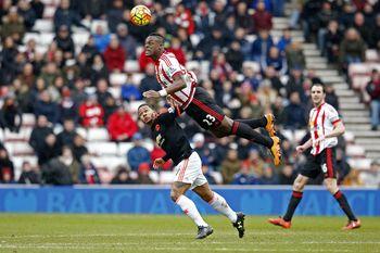 Sunderland Kalahkan Manchester United 2-1