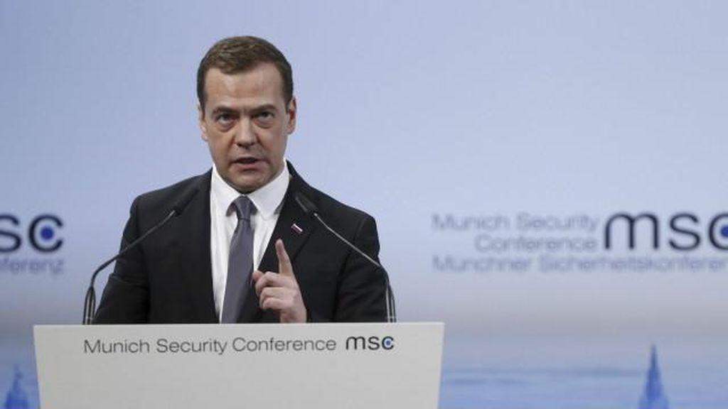 PM Rusia: Dunia Memasuki Perang Dingin Baru