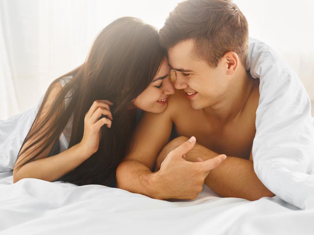 5 Kepribadian yang Menentukan Kecenderungan Pasangan Saat Bercinta