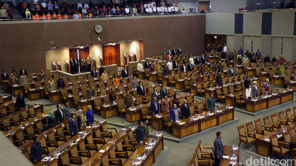 Komisi II: Kalau Anggota DPR Wajib Mundur untuk Pilkada, Incumbent Juga!