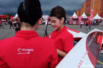 'Pramugari' Cantik dan Si Elang Putih dari Makassar
