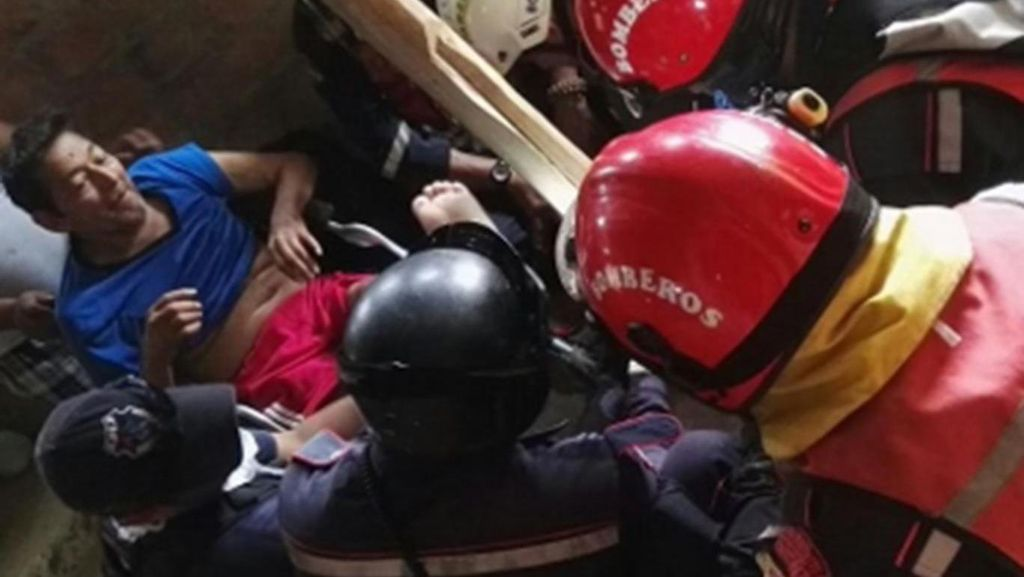 Ajaib! 13 Hari Terjebak Puing Gempa Ekuador, Kakek 72 Tahun Selamat