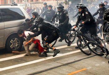 Aksi Demo May Day di AS Rusuh