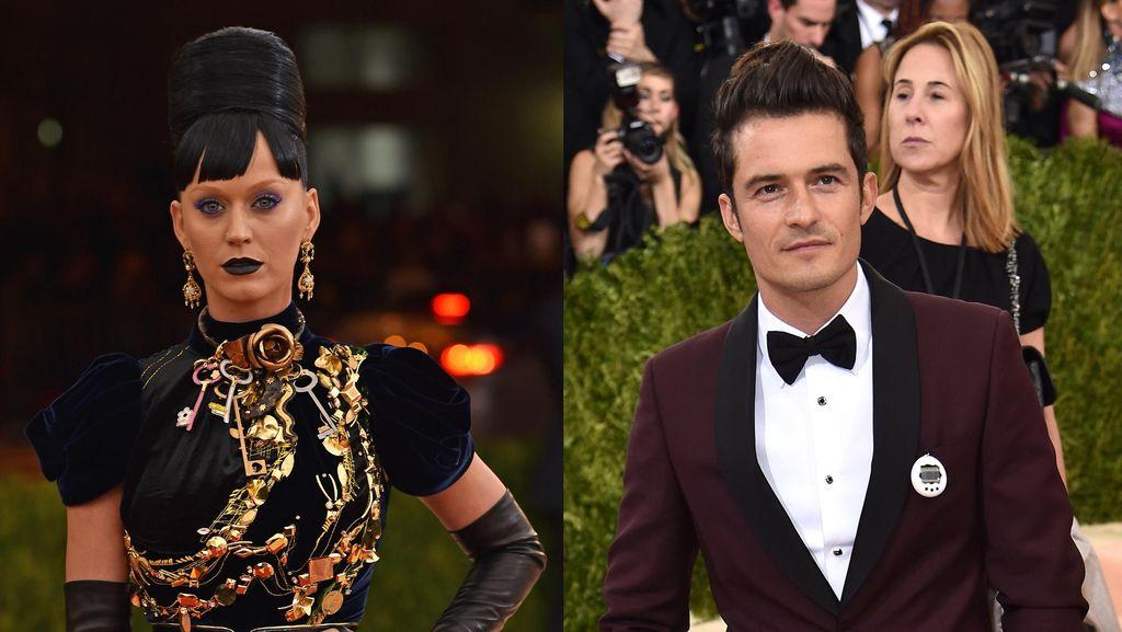 Pamer Hubungan Cinta Ala Katy Perry dan Orlando Bloom: Bawa Tamagotchi
