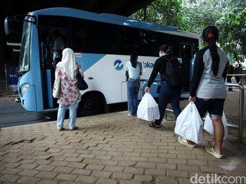 Bus TransJakarta Terkoneksi Stasiun KRL