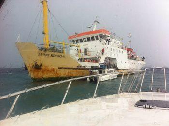 Kapal Sabuk Nusantara Kandas di Kep Seribu