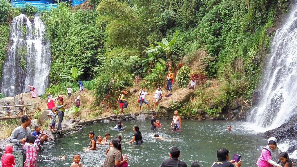 Long Weekend di Banyuwangi, Nikmati Segarnya Air Terjun 'Kembar' Jagir