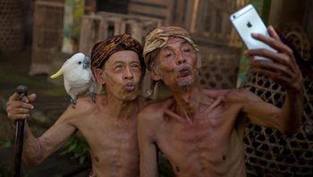 Senyum Menawan Indonesia dalam Jepretan Kamera