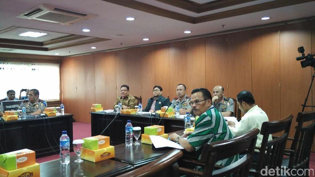 Ombudsman Beberkan Temuan Pelanggaran Pelayanan SIM di Depan Kakorlantas Polri