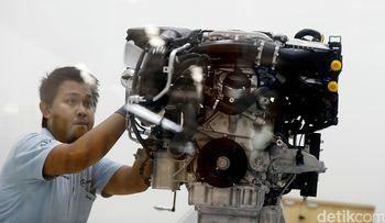 Mengintip Proses Perakitan Mercedes-Benz di Bogor
