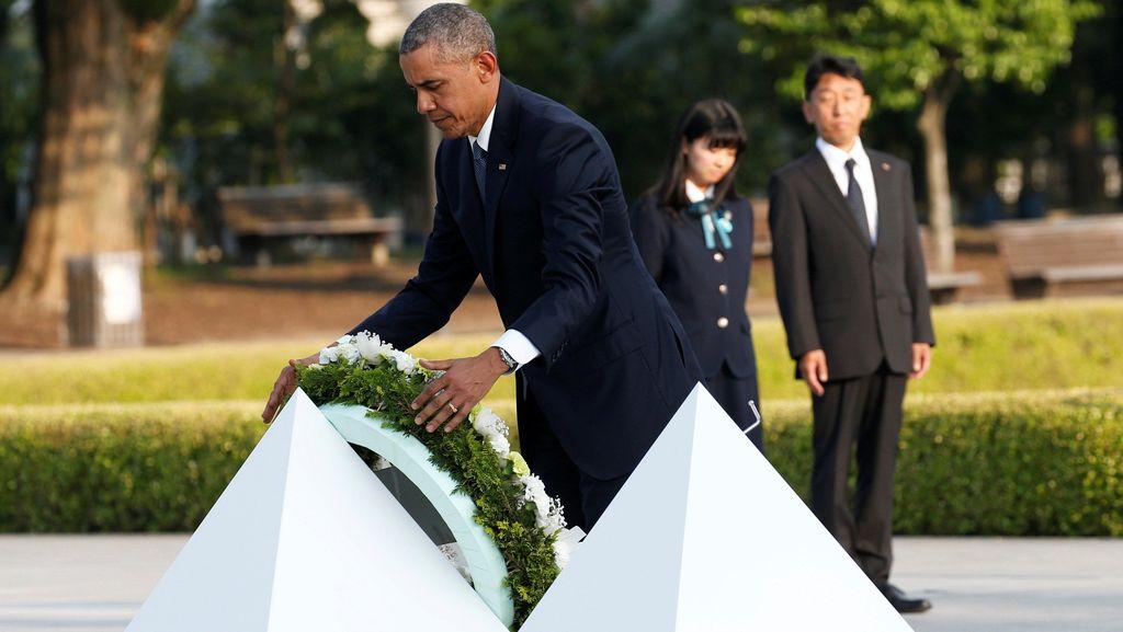 Kunjungi Hiroshima, Obama Letakkan Karangan Bunga Untuk Korban Bom Atom